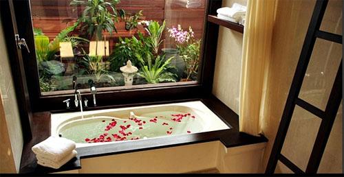 Green Park Hotel bathroom