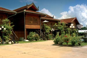Khunta service apartment