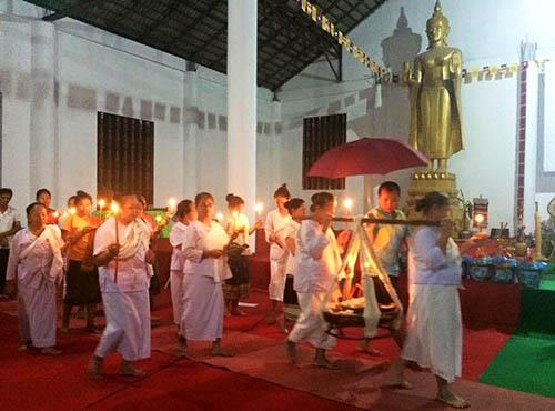 Khao phan kon procession