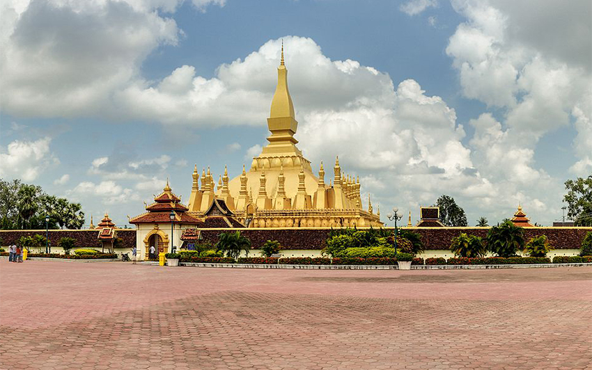 Pha That Luang and its history | 850 x 532 jpeg 393kB